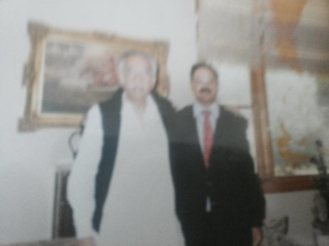 Hashwani Sahib Pic with I H Malik