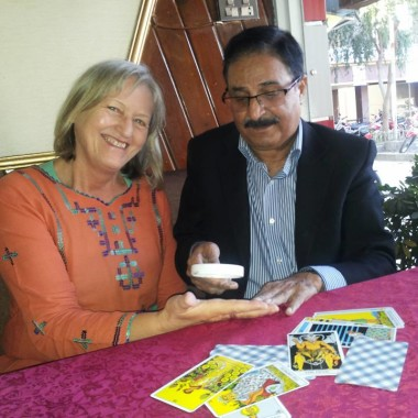 IH Malik Palmistry Session with German Lady