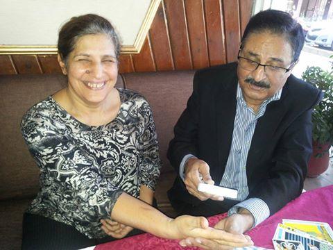 IHMalik Palmist tarrot card reading Irani lady