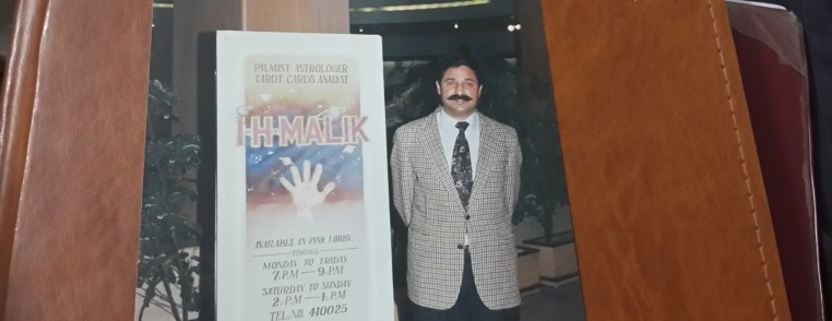 astrlogy palmistry tarrot card reading display board in marriot hotel islamabad pakistan